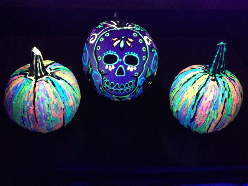 6 Glow in the Dark Pumpkin DIYs