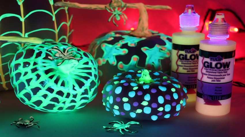 Picture of Glow in the Dark Pumpkins