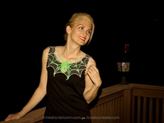 Picture of DIY Glow in the Dark Spiderweb Necklace