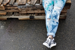 Picture of How To Splatter Paint Jeans