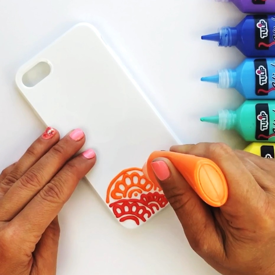 Create Mandala design on white phone case