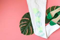 Picture of DIY Monstera Leaf Marker Jeans