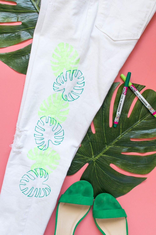 DIY Monstera Leaf Marker Jeans
