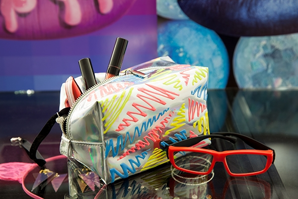 5 Bag Makeovers with Fabric Paint