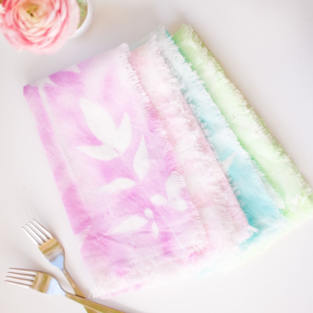Picture of Tulip Pastel Dyed Plant Pattern Napkins