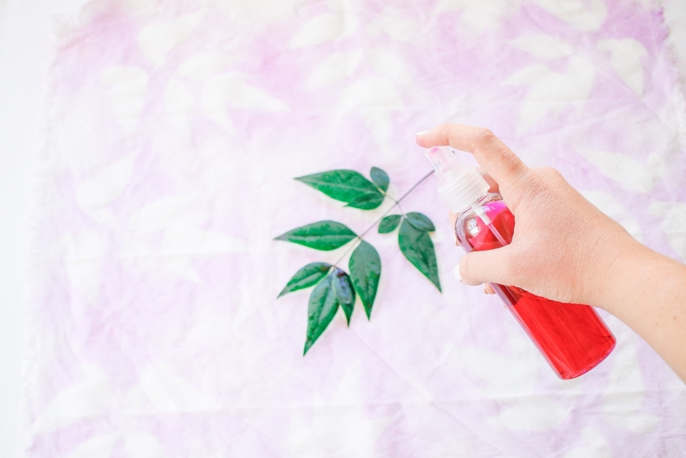 Tulip Pastel Dyed Plant Pattern Cloth Napkins - spray dye over foliage on napkins