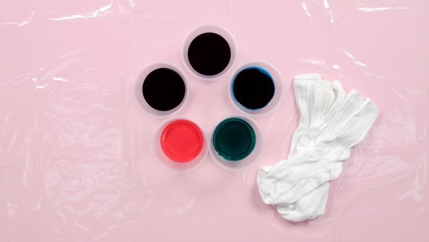 Tulip Pastel Tie-Dye Sock Bunnies - dampen socks