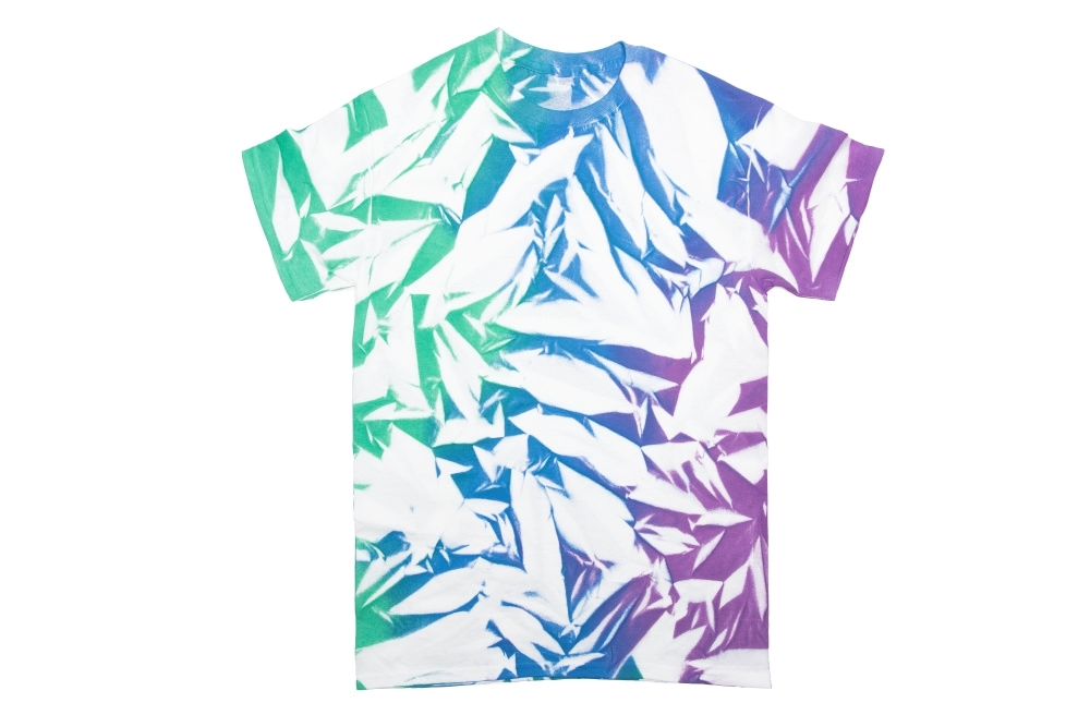 6 New Ways to Tie Dye with Spray-On Color - fabric spray paint crumple