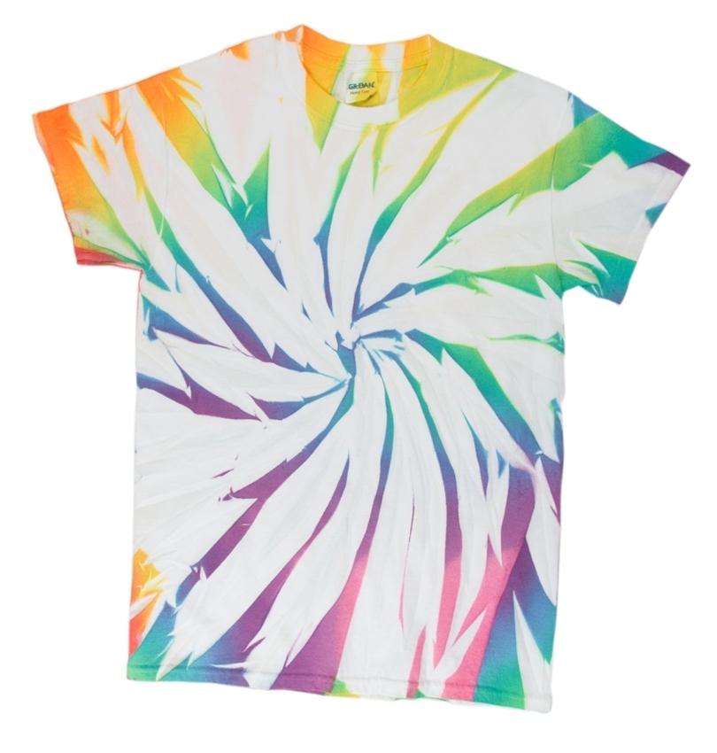 6 New Ways to Tie Dye with Spray-On Color - fabric spray rainbow swirl