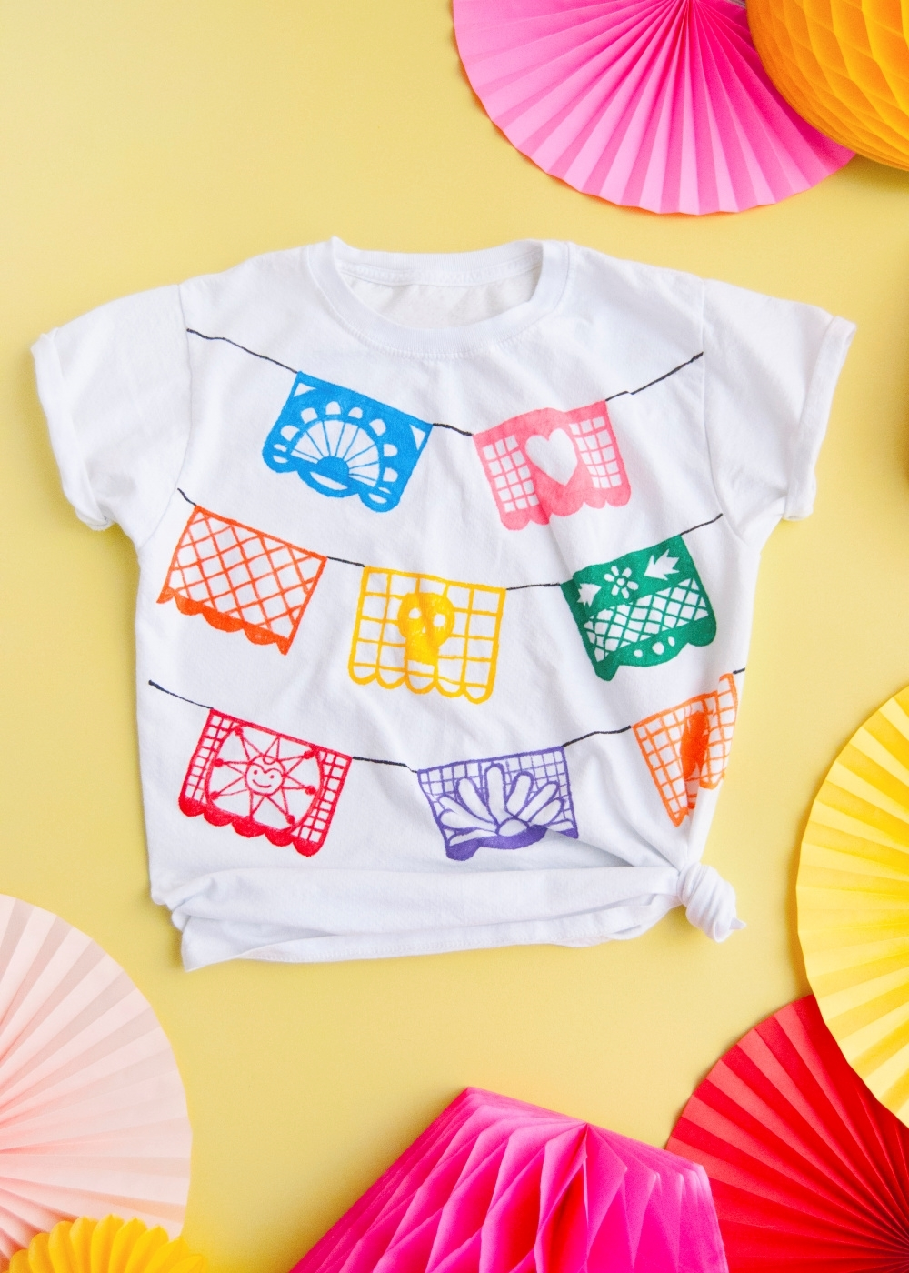 Picture of Tulip Fabric Markers DIY Papel Picado T-shirt