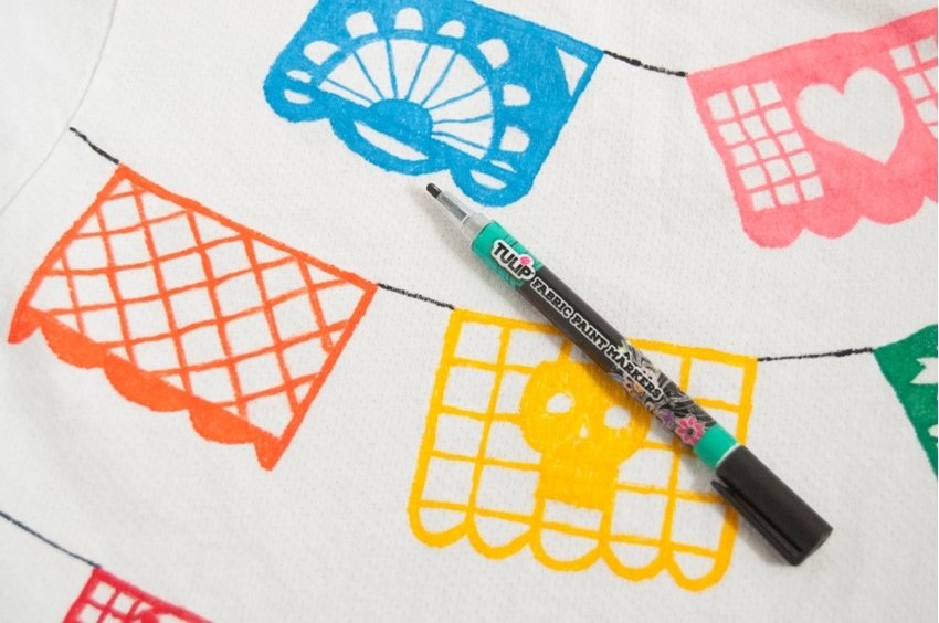 Tulip Fabric Markers DIY Papel Picado T-shirt - connect designs