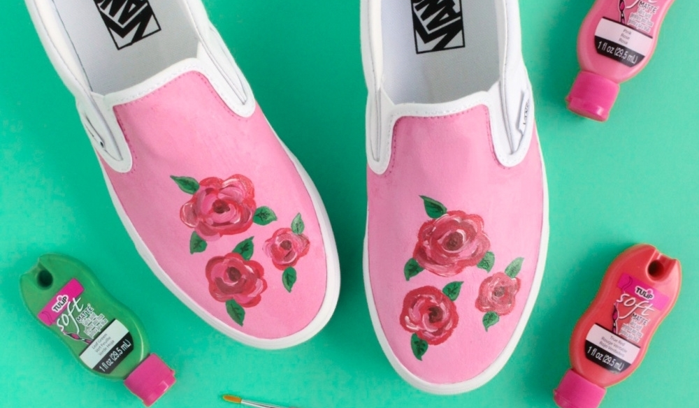 How To Paint Flowers with Tulip Brush-On Fabric Paint