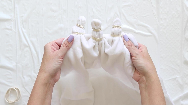 Tie-Dye Picnic Blanket – Bind damp blanket with rubber bands