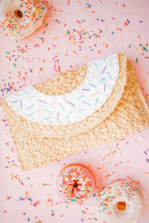 Picture of Easy DIY Donut Clutch Purse