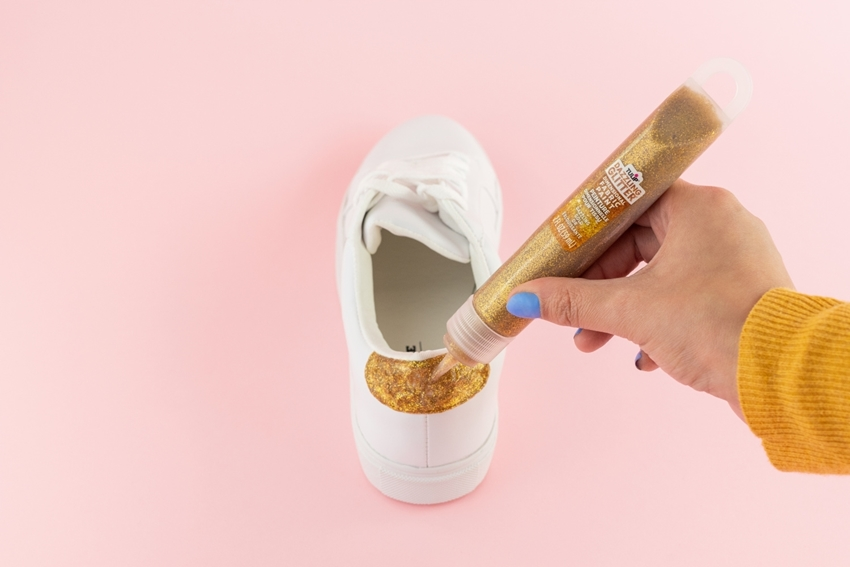 Paint backs of shoes