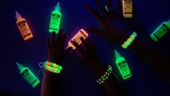 Picture of Easy Glow Bracelet DIYs