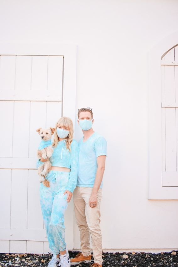 Picture of Matching tie-dye sweatsuit and face masks