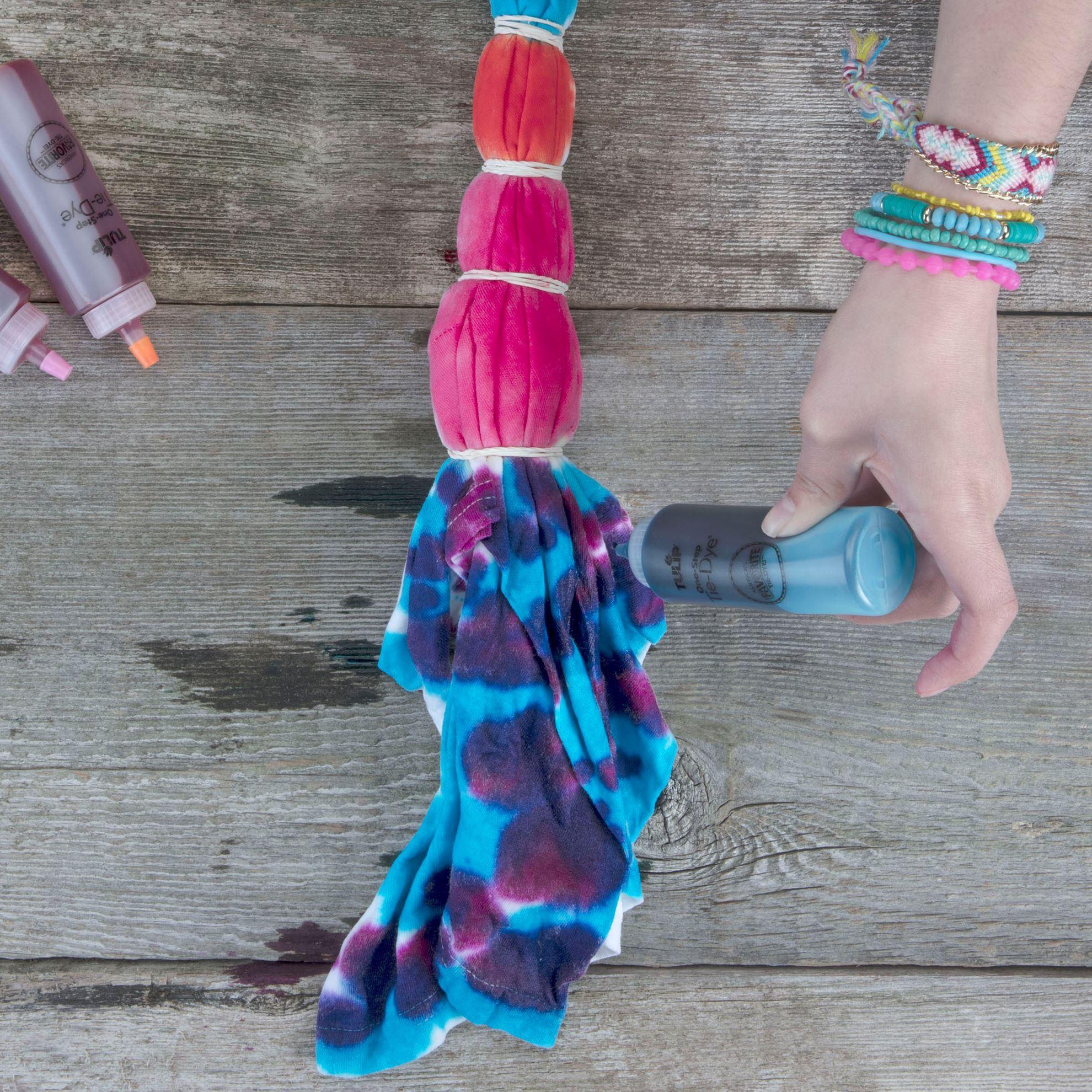 Carousel 5-Color Tie-Dye application