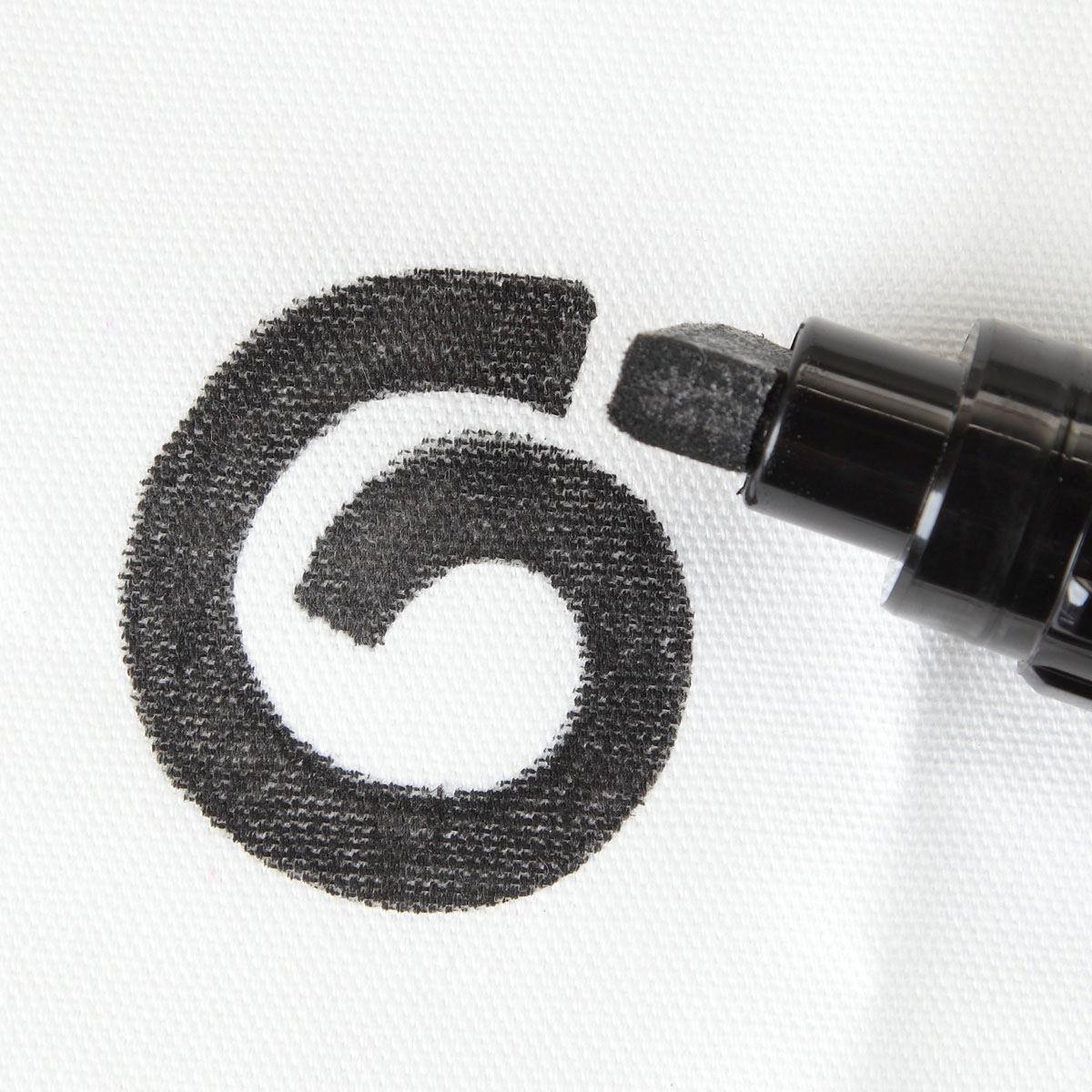 Picture of Tulip Fabric Marker Fat Black