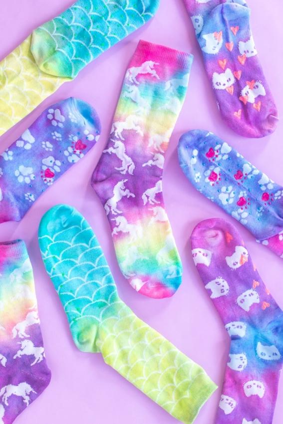 Tie-dye no-slip socks