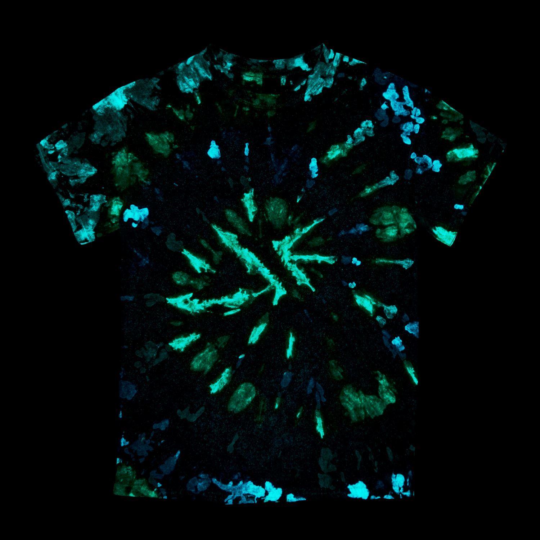 46021 Glow Tie Dye Kit swirl T-shirt project glowing