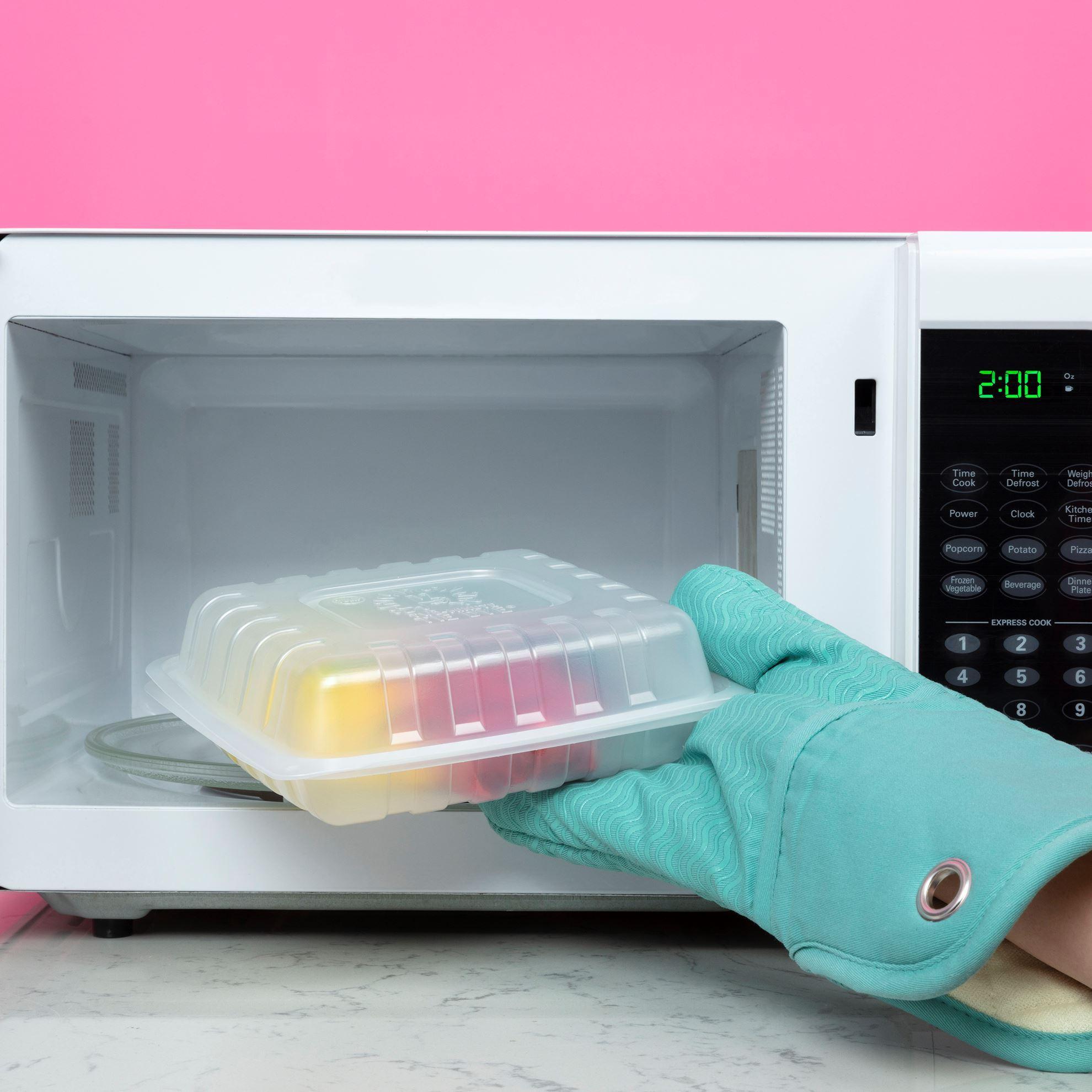 Tulip Two-Minute Tie Dye Kit microwave step