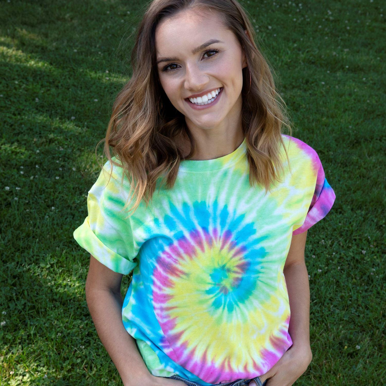 Tulip Two-Minute Tie Dye Kit girl wearing tie dye t-shirt