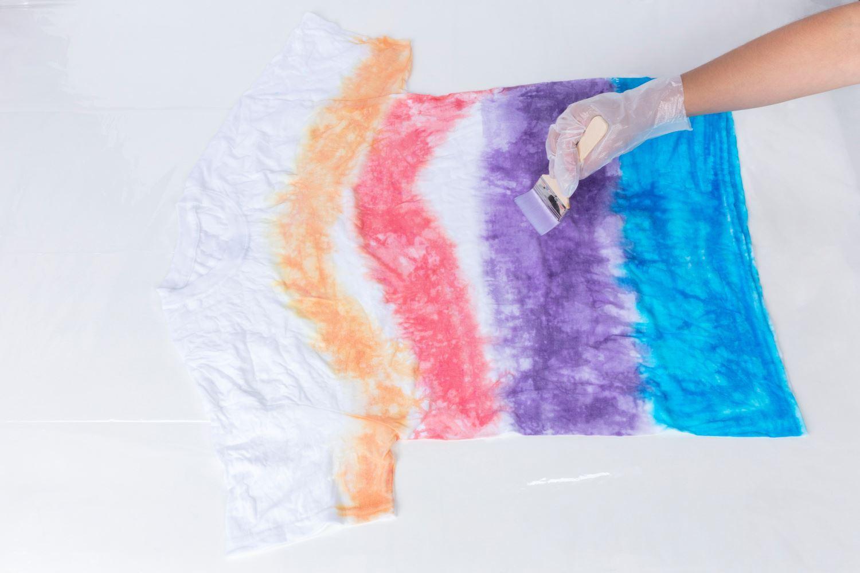 45526 Ombre Technique Tie-Dye Kit T-shirt project in progress