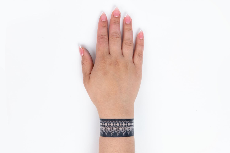 46477 Body Art Ultimate Henna Tattoo Kit Stencil on Hand