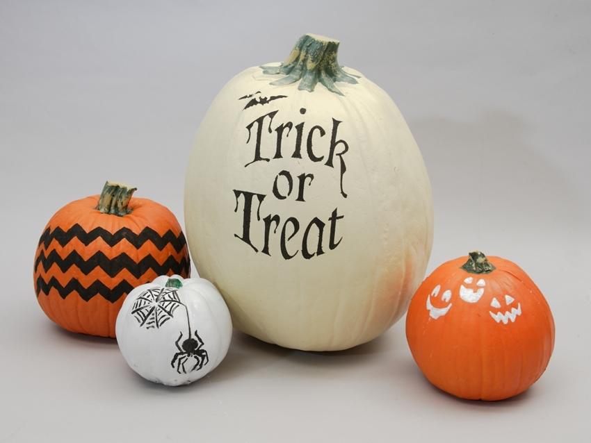 Easy Stenciled Pumpkins