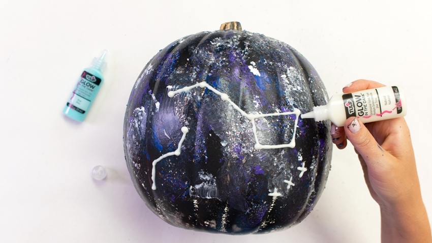 Use Puff Paint to create constellations