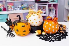 Picture of Finger Paint Designs for Pumpkins
