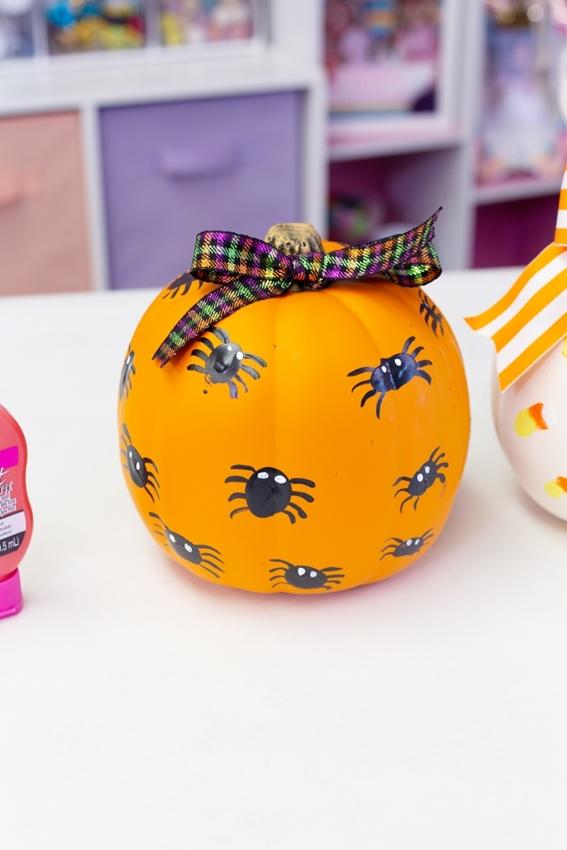 Spider Painted Pumpkin Design