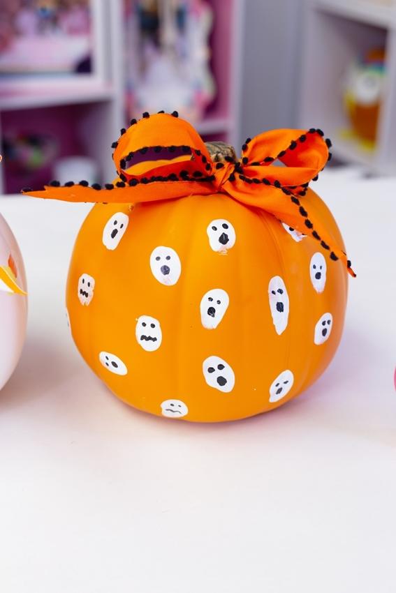 Ghost Painted Pumpkin Design